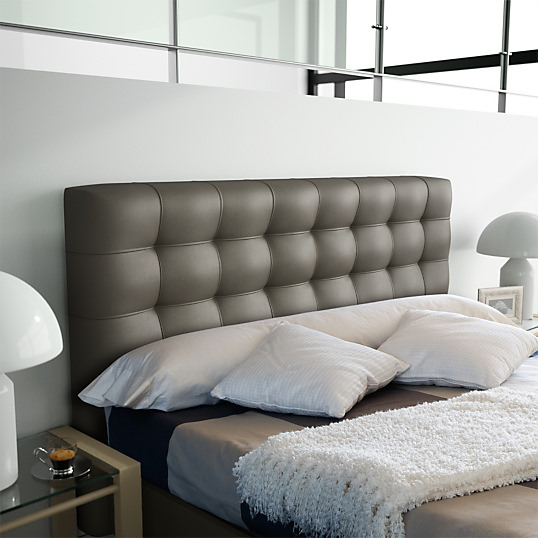 ensuite vous pouvez trouver une tete de lit pas chere et l arranger en la repeignant ou en ajoutant de la decoration ou alors vous pouvez creer votre