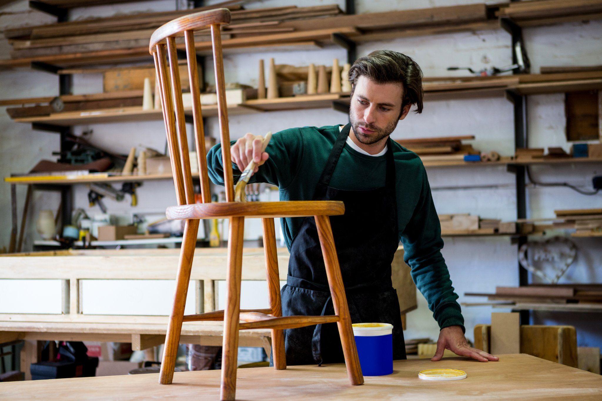 In questo articolo potete trovare un'idea originale per decorare le vecchie sedie di casa, magari vi sembrano anonime e volete rivisitarle. Cosa Ti Serve Per Dipingere Una Sedia Fai Da Te Instapro