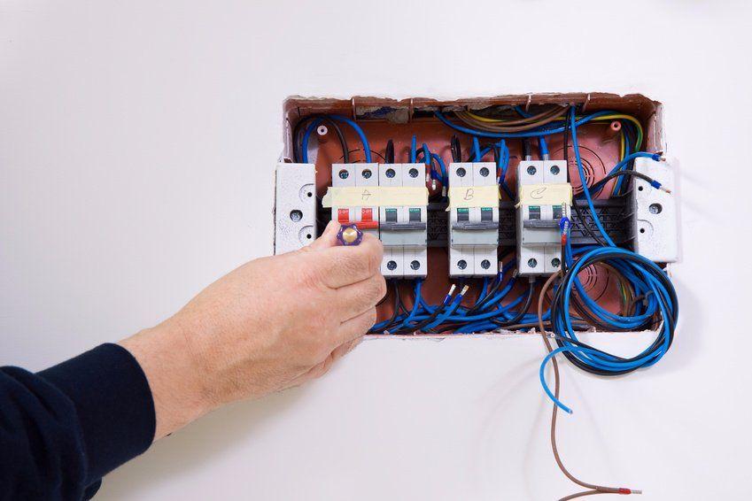 Punto luce vende materiale per la realizzazione completa di un impianto elettrico a vista e vintage, con un occhio al futuro. Impianto Elettrico Casa 4 Cose Da Sapere Instapro