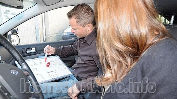 cauta instructor auto