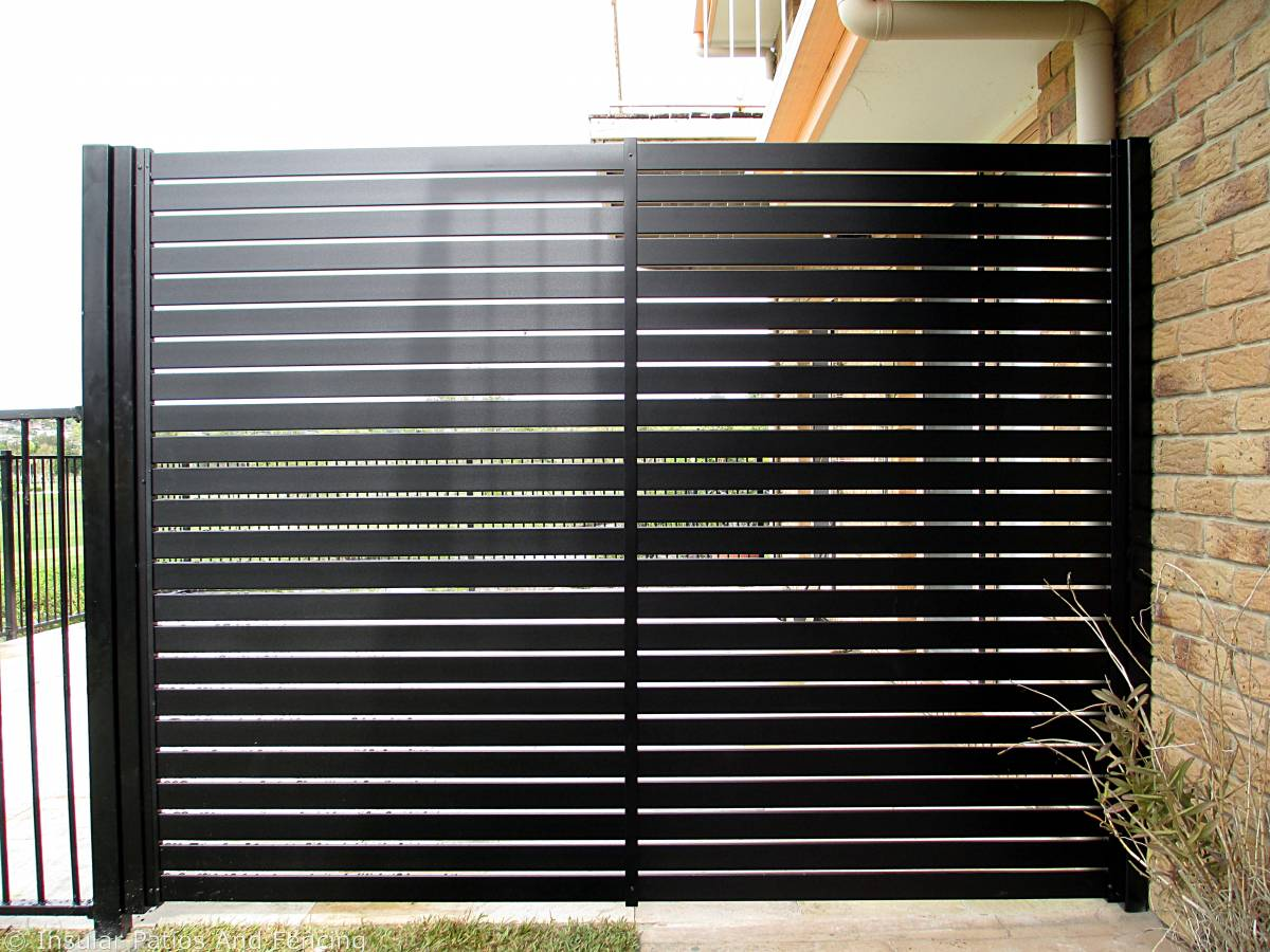 Flat top fencing and slatted screening Banora Point