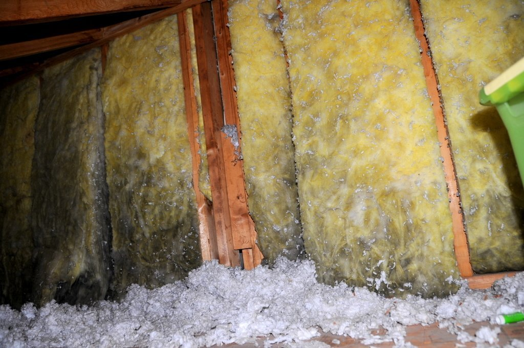 how to dry out a wet attic