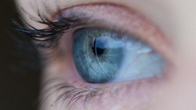 https://pixabay.com/en/eye-blue-eyelashes-vision-make-up-691269/