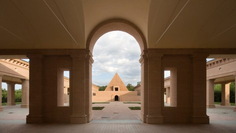 Labirinto della Masone 1 Italy small