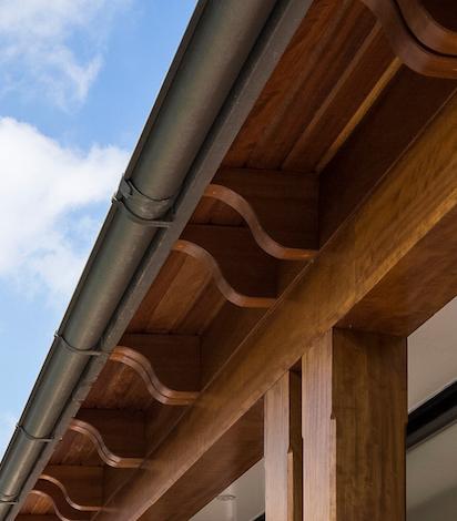 the-verandah-detail