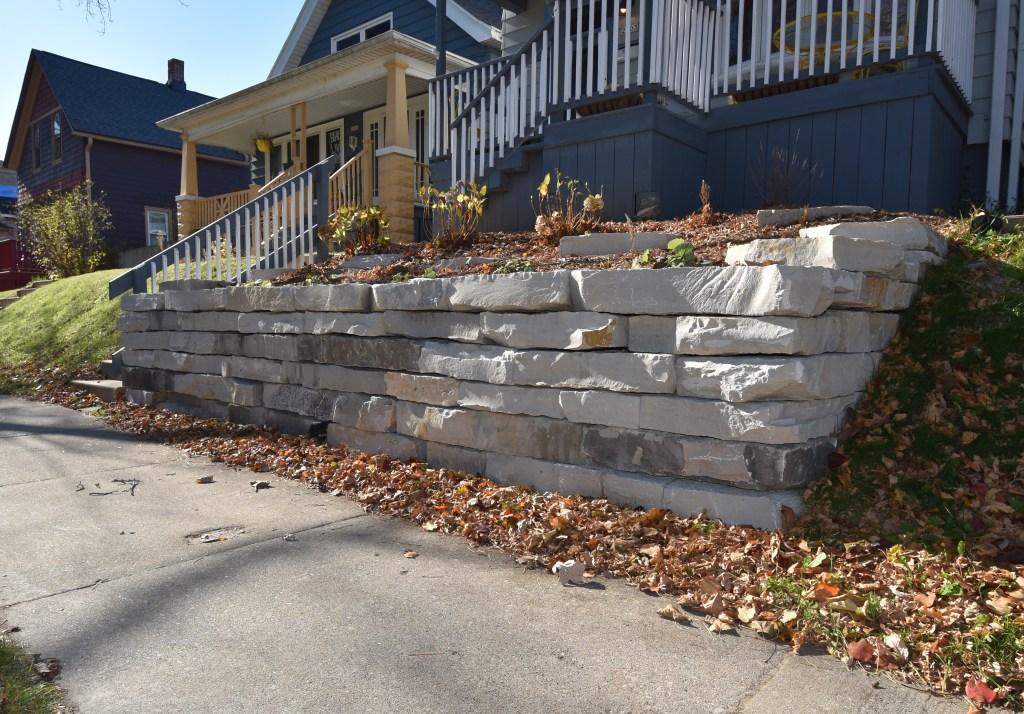Outcropping Stone Retaining Wall Milwaukee