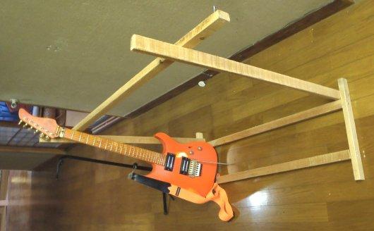 ギター・スタンド組み立て 3