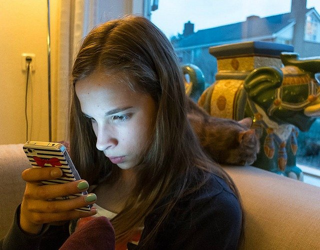 Three Tips To Select a Mobile Phone Parental Control For Monitoring Teens