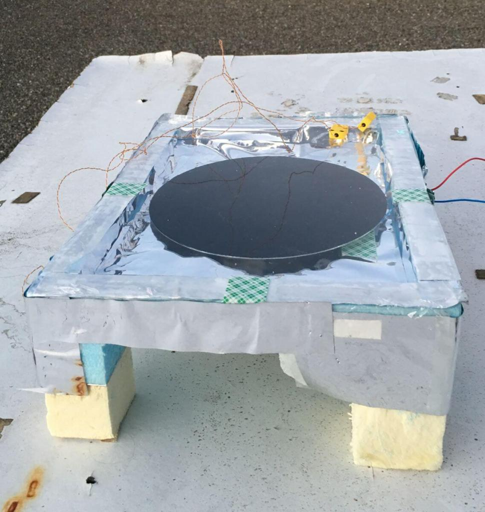 The anti-solar panel which generates electricity from darkness