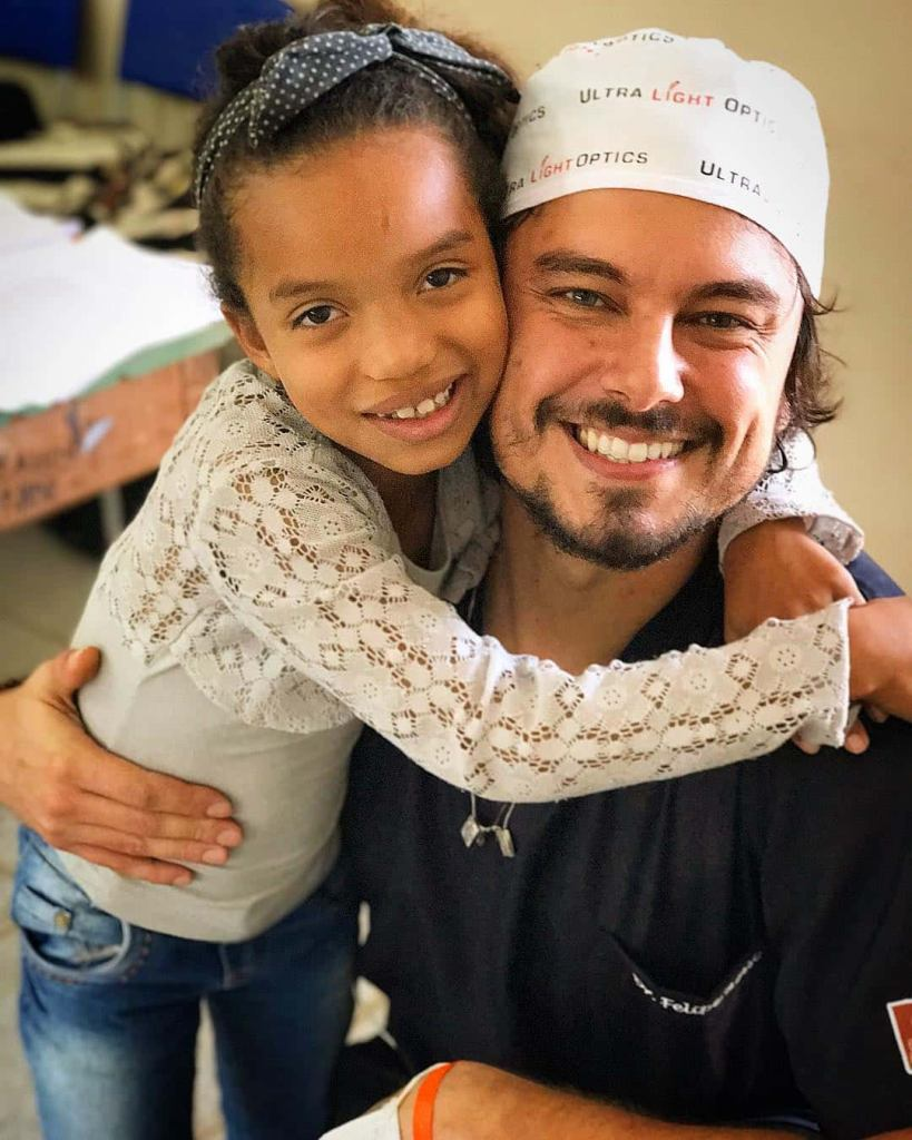 Brazilian Dentist Fixes Poor People's Teeth For Free!