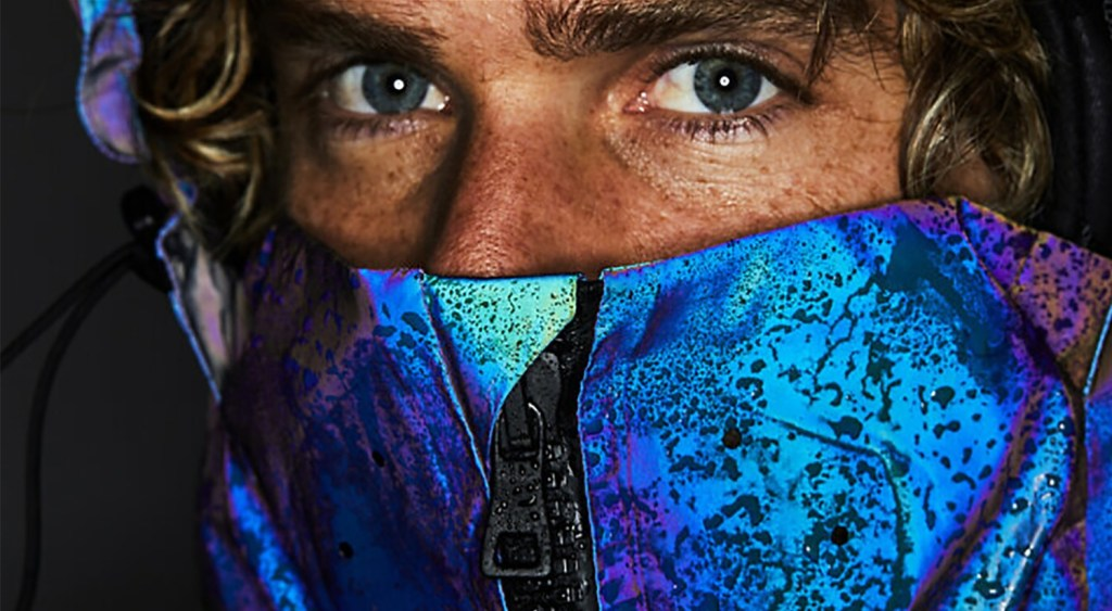 Color-Shifting Jacket Mimics The Squids' Camouflage Qualities