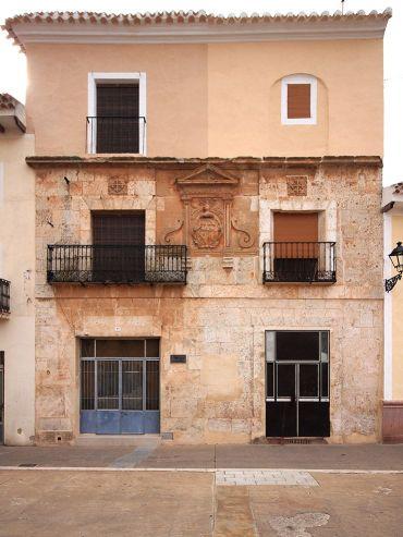Fachada de la casa de Andrés López-Muñoz.