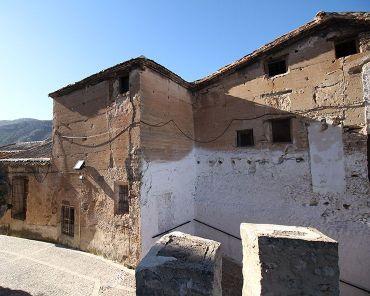 Torreón de la antigua muralla de Yeste.