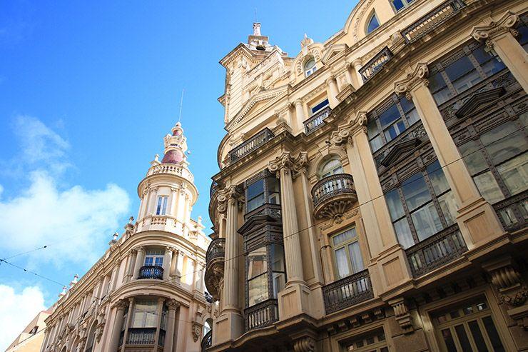 Casa de Juan López (Edificio Banesto) y Edificio Bancaja en Albacete, ambos de Julio Carrilero