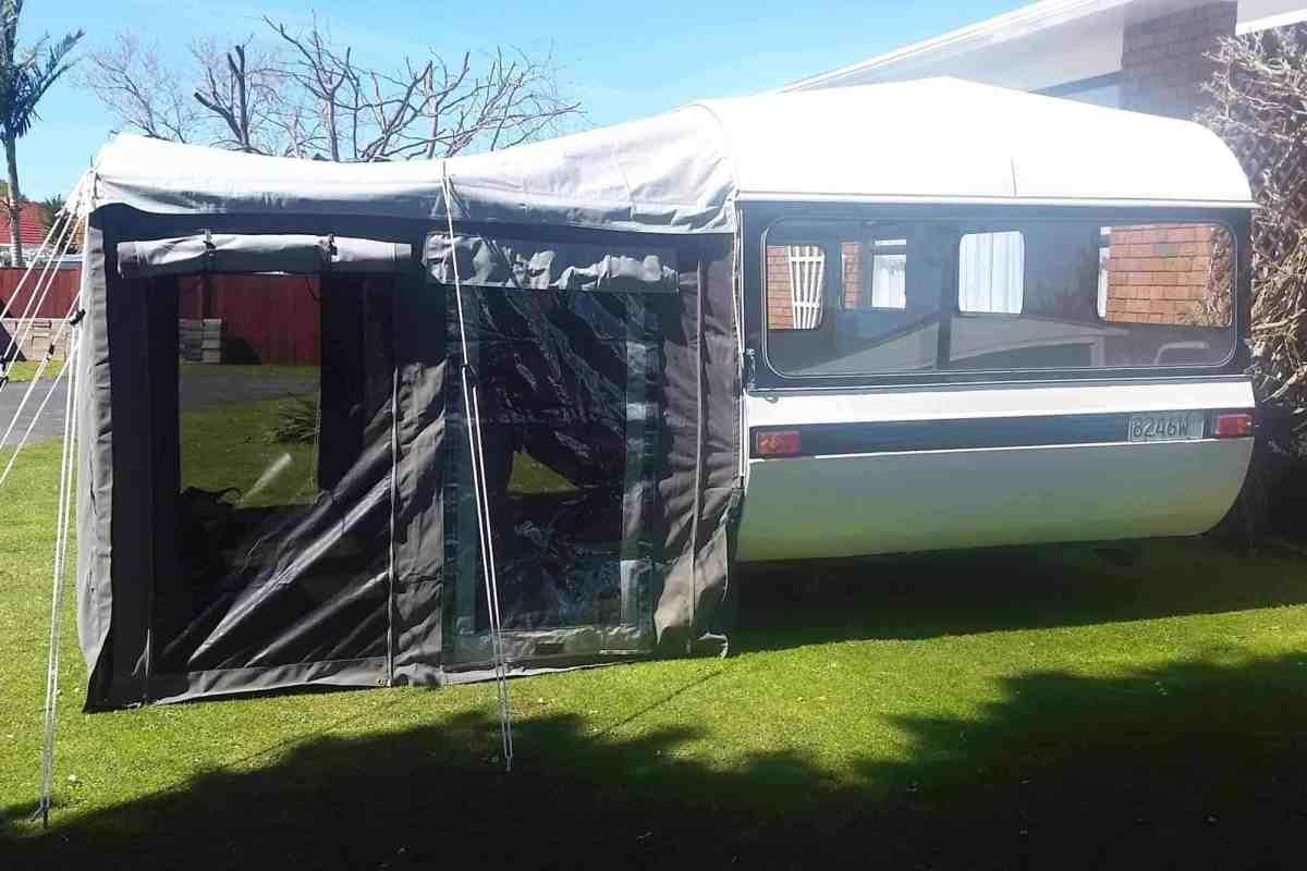 awning-1500-liteweight-caravan-4