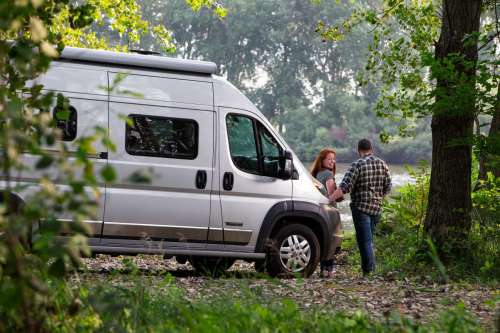 small resolution of winnebago travato pure3 energy management system pros and cons