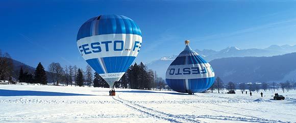 Festo – Upside Down Balloon Illusion