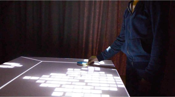Physical interface with discrete objects