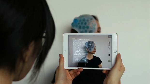 Aposema mask serving as a soft robotic interface for augmented reality, Adi Meyer, Sirou Peng, Silvia Rueda, 2017.