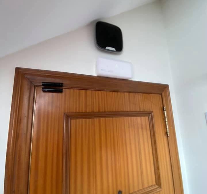 Installation alarme intrusion AJAX à Vigo en Espagne