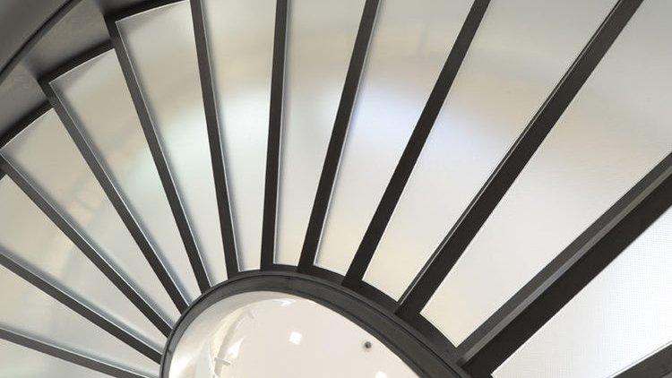 scala elicoidale in metallo