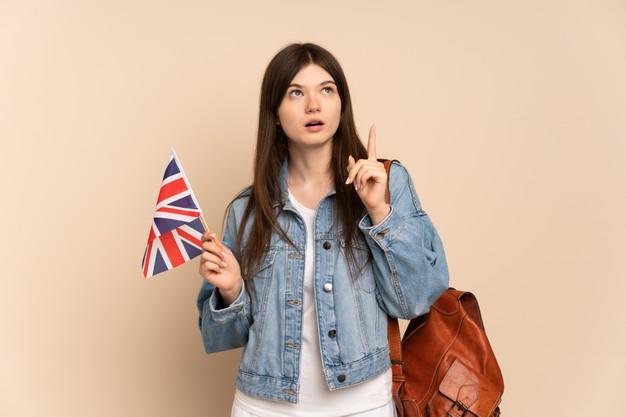 Curso Make It British vale a pena? Confira a nota de avaliação.