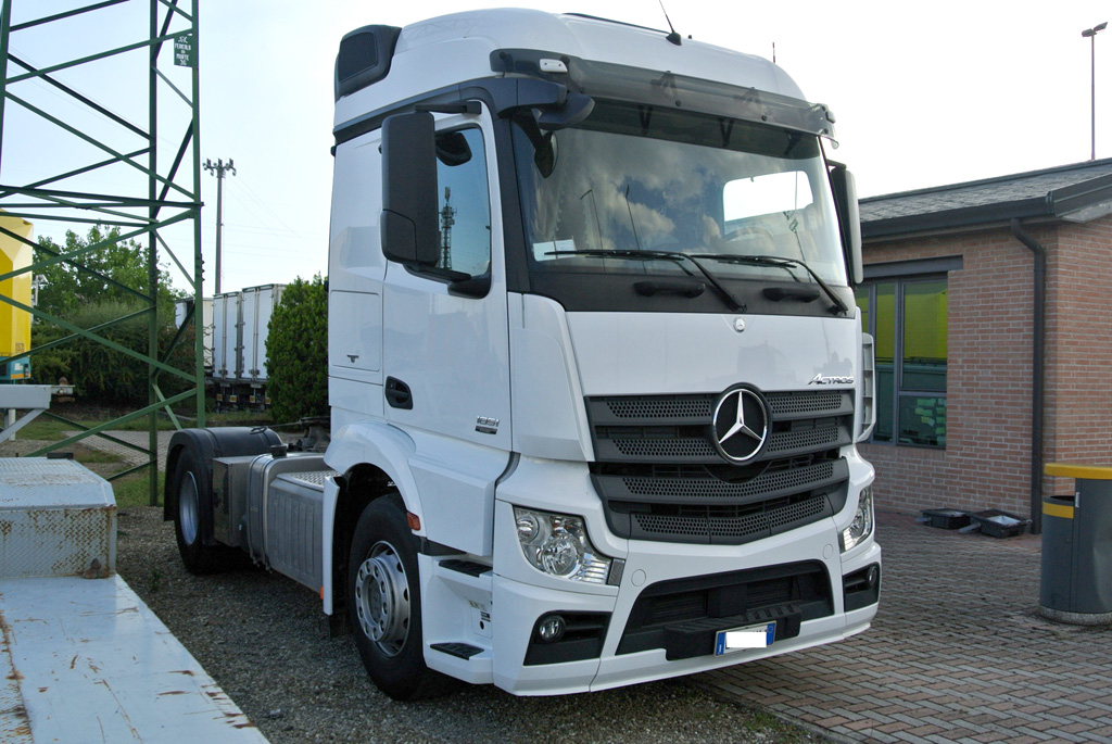 Mercedes Actros 1851 usato trattore stradale  Interdrive