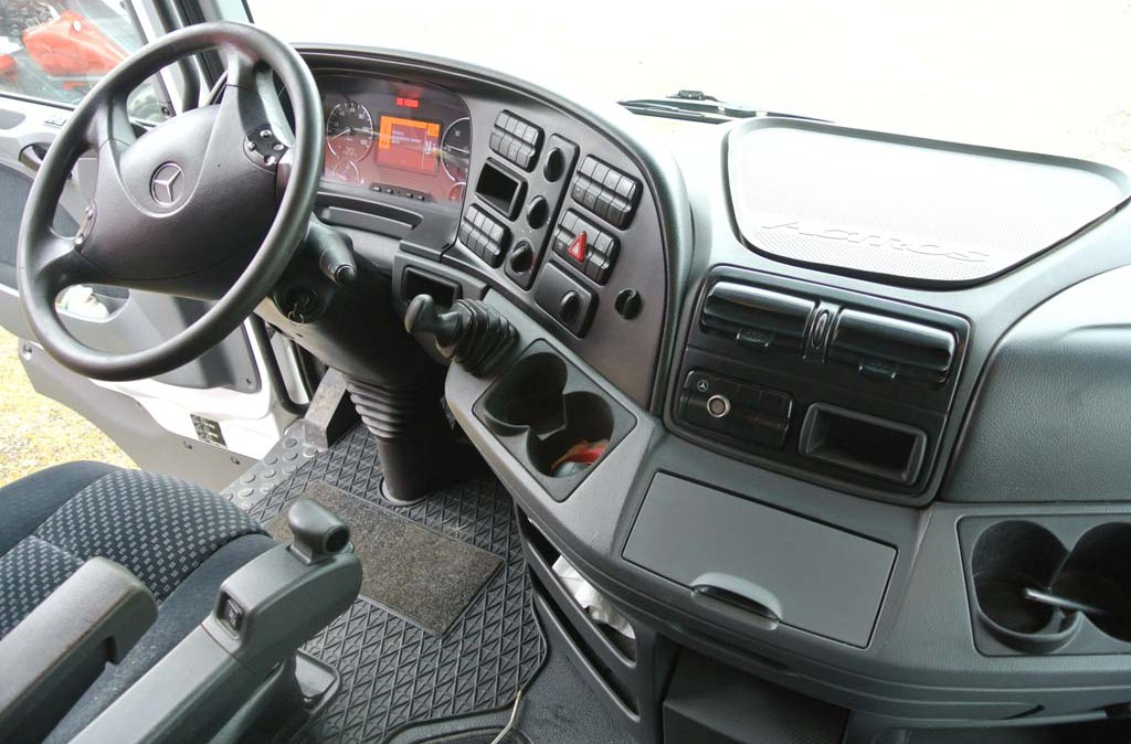 mercedes actros 1848 usato trattore stradale  Interdrive