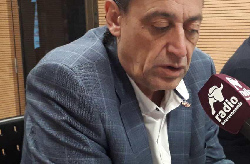 """Vicente Montañez, concejal de VOX : """"Coja el autobús y váyase junto con su gerente a la cola del paro señor Grezzi"""""""