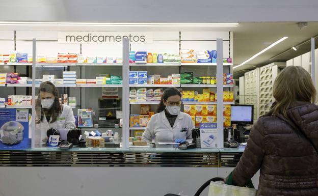 Las farmacias valencianas repartirán de forma gratuita mascarillas a mayores de 65 años
