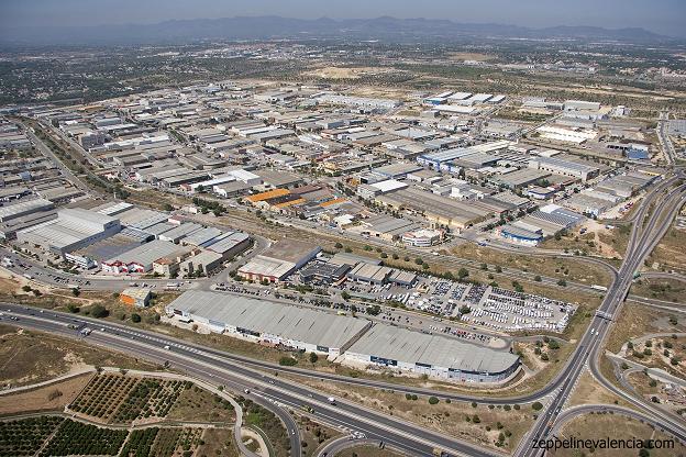 Las empresas valencianas de áreas industriales reducen un 50 % facturación por la ciris del COVID-19