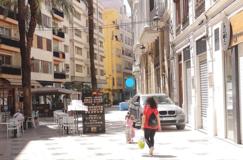 La Federación vecinal denuncia exceso de terrazas en zonas de ocio de València y en El Palmar