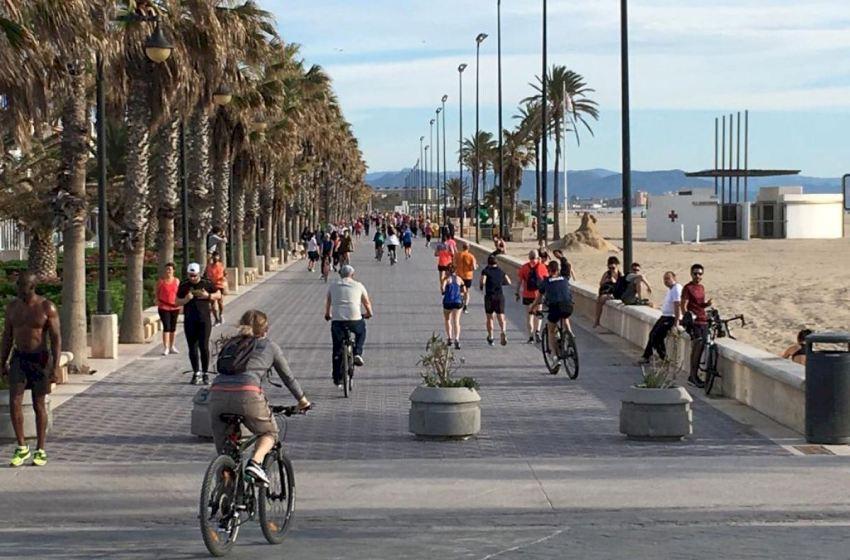 La ciudad de Valencia se reactiva durante el primer día del proceso de desescalada