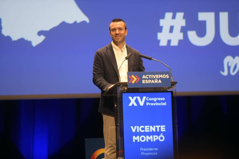 Mompó denuncia que los ayuntamientos «prestan competencias impropias y encima Sánchez les quita el ahorro»