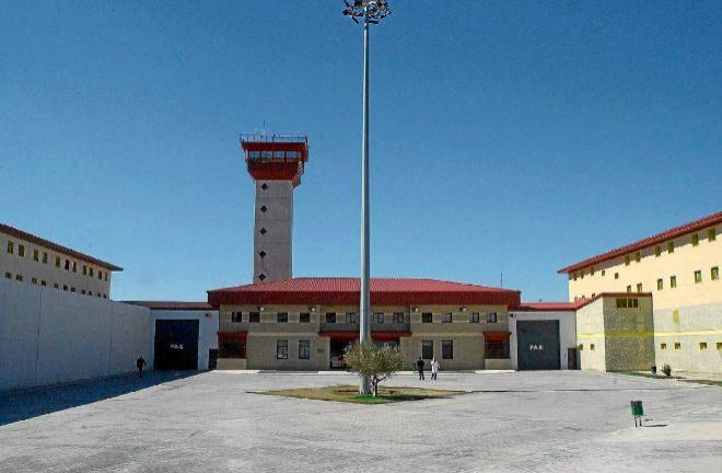 CSIF exige suspender las comunicaciones de reclusos y la entrada de personal externo en las prisiones por los contagios de covid-19
