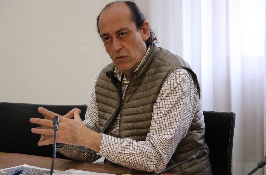 VOX acusa a Grezzi de colocar a dedo a Marta Serrano para dirigir la EMT y votará en contra de su elección