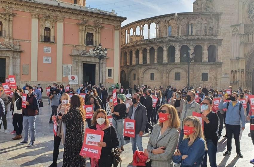 La hostelería valenciana se moviliza para exigir ayudas al gobierno valenciano