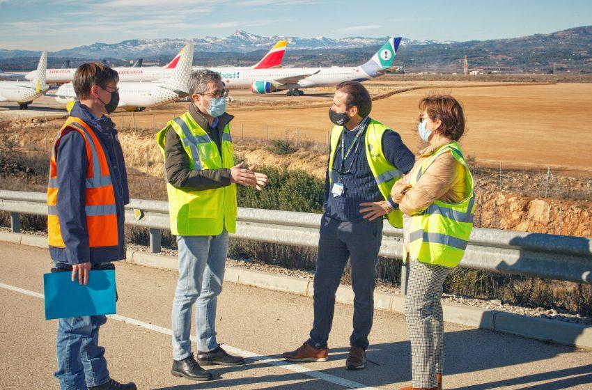 El aeropuerto de Castellón completa con la iniciativa privada la nueva zona de estacionamiento y ultima el centro de mantenimiento de aviones