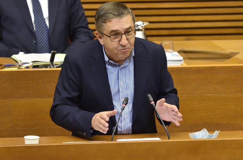 """Rovira: """"Puig no puede atreverse a pedir medidas contra Bascuñana cuando mantiene a altos cargos pendientes de juicio oral"""""""