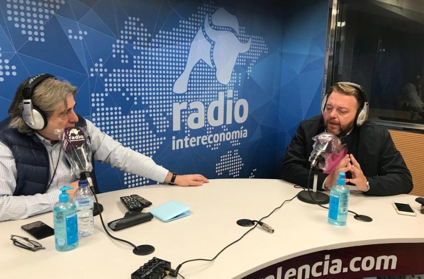 """Lluís Bertomeu (Satori Comunicación) en El Intercafé: """"Hay que acercar la realidad económica y política a las universidades valencianas"""""""