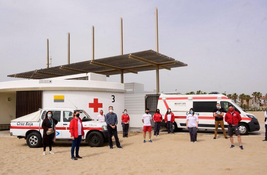 El ayuntamiento de València pone en funcionamiento el servicio de asistencia sanitaria, salvamento y socorrismo en la playas para Semana Santa
