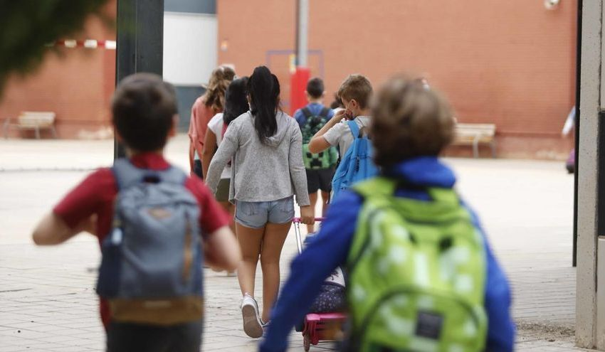 CSIF urge a Educación a dotar de mascarillas e hidroalcohol a los centros y a establecer un calendario de reparto regular