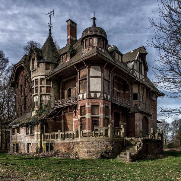 Haunted House or Abandoned Victorian Mansion Chateau Notenboom or Hof van Notenboom in Belgium
