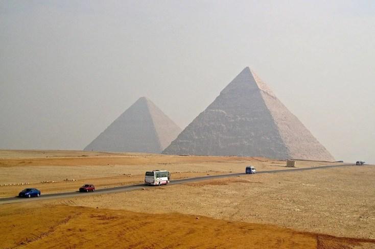 giant pyramids of egypt