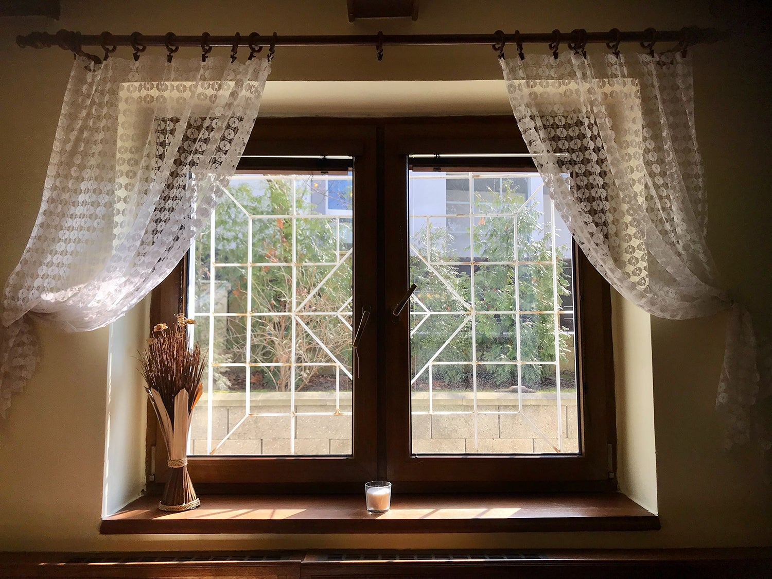consider before buying curtain rods