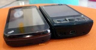 N97 fechado, ao lado do N95 8 GB