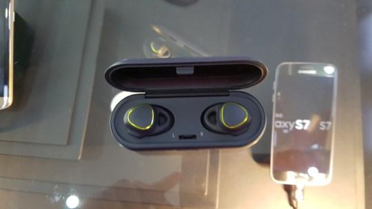 samsung gear icon x - 1