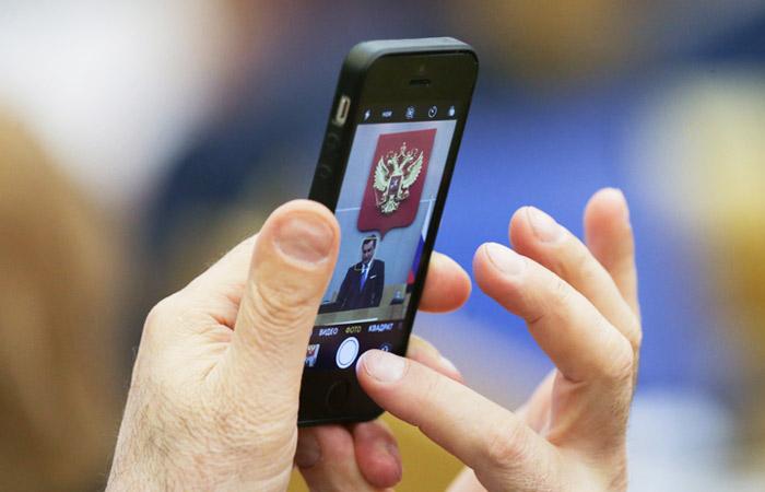 ФАС предложила сделать обязательной предустановку российского софта на смартфонах
