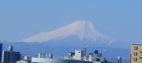 大宮駅付近からの富士山