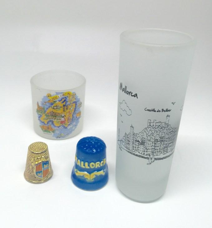 Mallorcaのショットグラスと西洋指貫